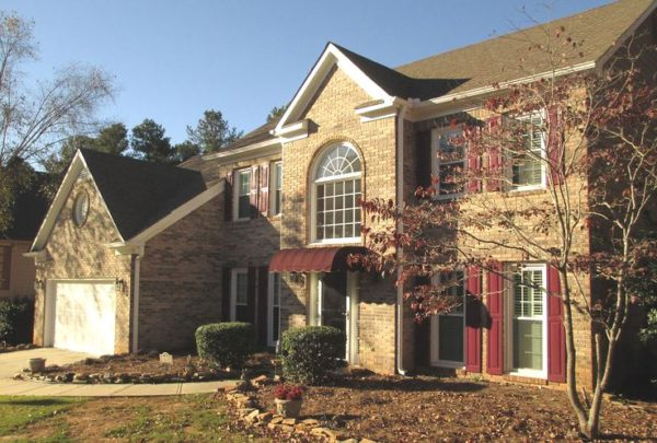 Johns Creek Home In Hillbrooke Subdivision