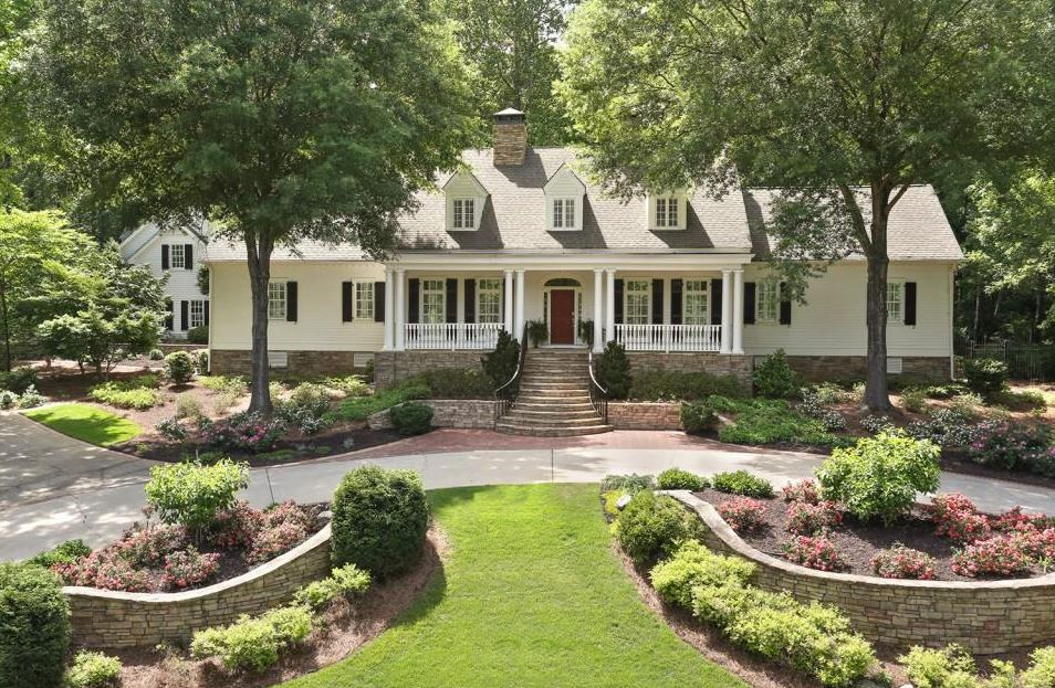 Live in kennesaw marietta country club on main georgia for Country homes in georgia